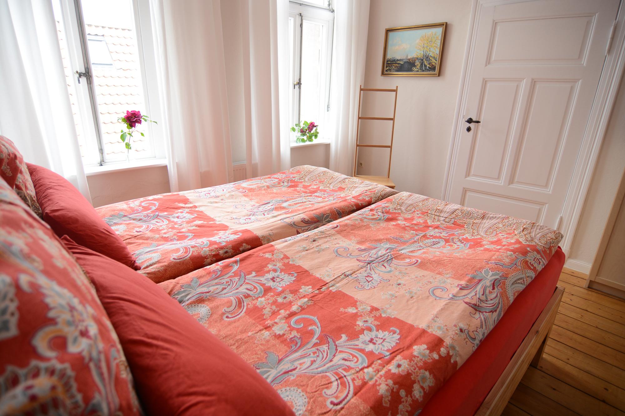 johannis nest herzlich willkommen. Black Bedroom Furniture Sets. Home Design Ideas